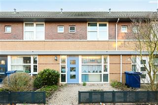 A. Roland Holststraat 36